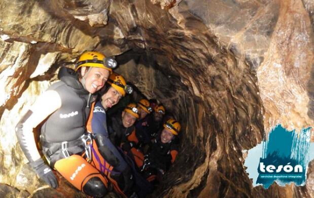 Curso de aguas Cueva de Valporquero 29€