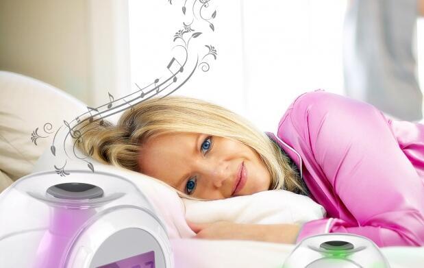 Despertador sonidos y luz de colores 12€