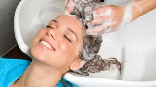 Lavar + Peinar + Tratamiento Re-Hidratante por 16,90 €